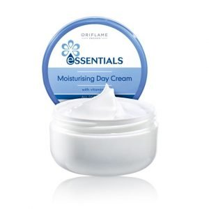 Essentials hidratáló nappali krém
