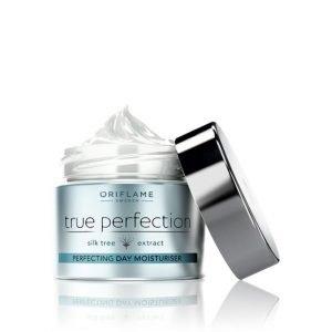 True Perfection arcbőr tökéletesítő hidratáló nappali krém